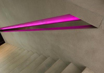 Betonnen trap met LED verlichting