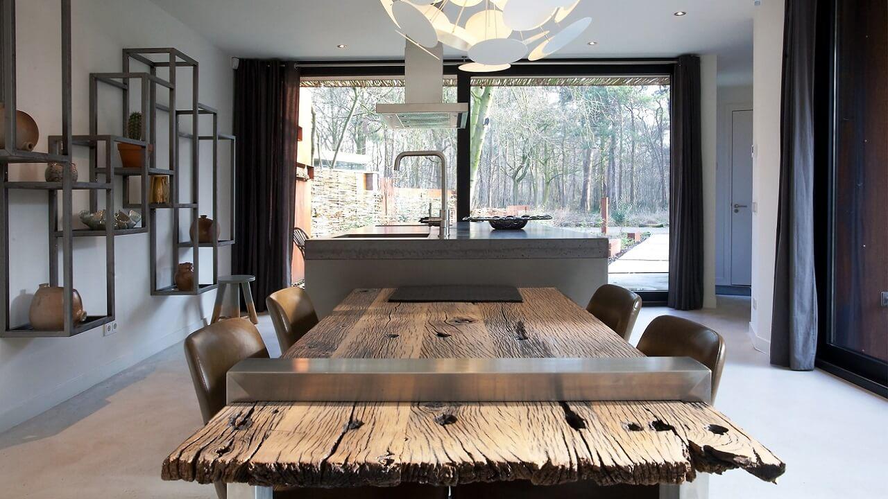 Stalen-Boshuis-Interieur-keuken-eettafel